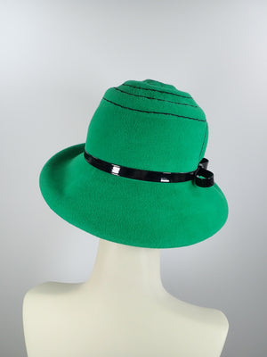 Women's green hat. Winter hat Downton Abbey. Black and green hat. Stitched embroidered hat. Ladies wool felt fashion hat.