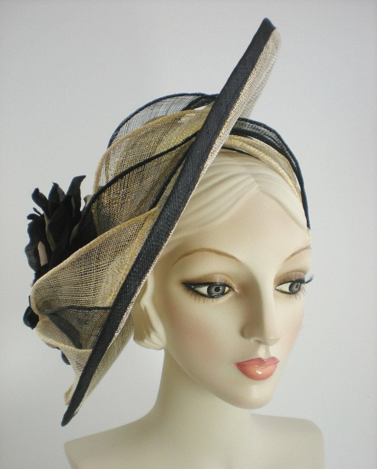 Dramatic fascinator hat black and gold