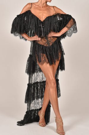 Nikita Kaftan in Black