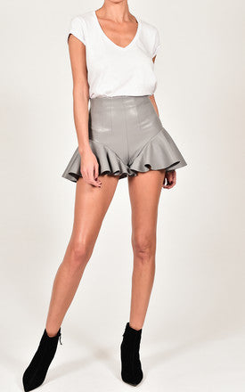 LYDIA SHORTS IN GREY