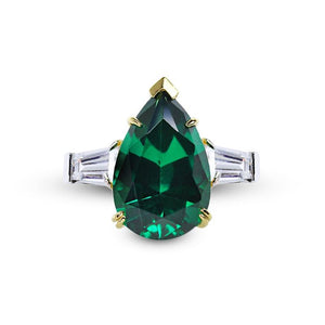 Magnificent Pear Cut in Emerald