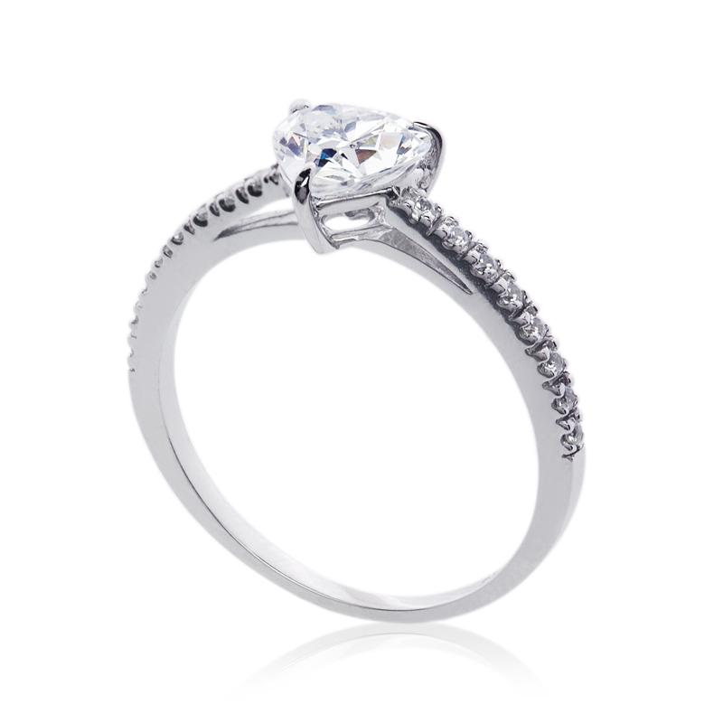 Solitaire Heart Microset in White Gold