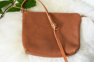 Simple crossbody bag -Saddle Tan