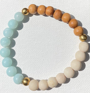 Green Eyed Kitty Riverstone & Sandalwood Bracelet - Amazonite