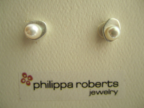 Philippa Roberts Small Pearl Earrings (SS or Vermeil)