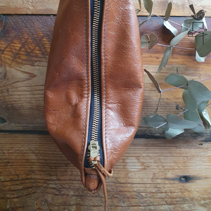Open image in slideshow, Leather Zipper Pouch