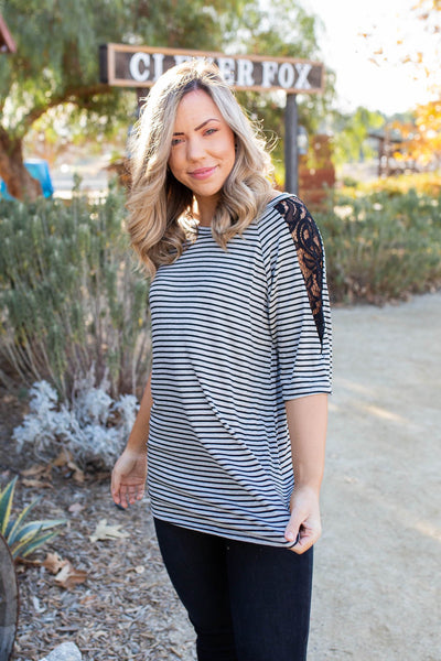 Dare to Lead Short Sleeve Top - Onyx & Oak Boutique