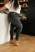 Load image into Gallery viewer, Gray Days Button Rise Jeans - Onyx & Oak Boutique