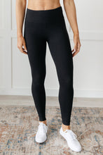 Load image into Gallery viewer, Lucy Lounging Leggings in Black - Onyx & Oak Boutique