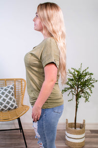 Treat You Right Tee in Olive - Onyx & Oak Boutique