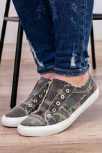 Load image into Gallery viewer, Corky's Babalu Sneaker in Camo - Onyx & Oak Boutique