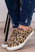 Load image into Gallery viewer, Corky's Babalu Sneaker in Leopard - Onyx & Oak Boutique