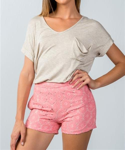 FRESH DAISIES CROCHET MINI SHORTS in PINK