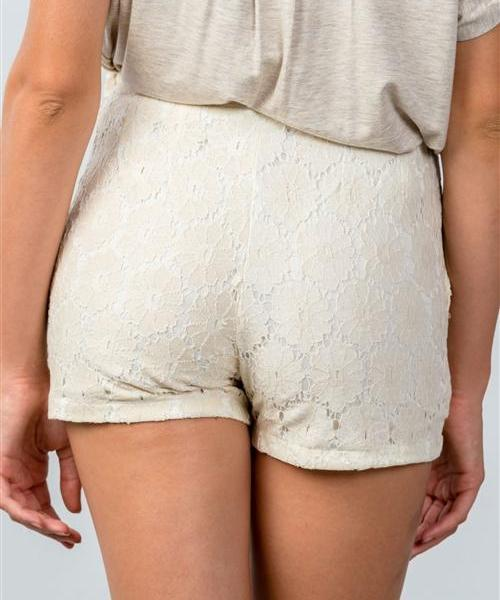 Fresh Daisies Crochet Mini Shorts (Beige)