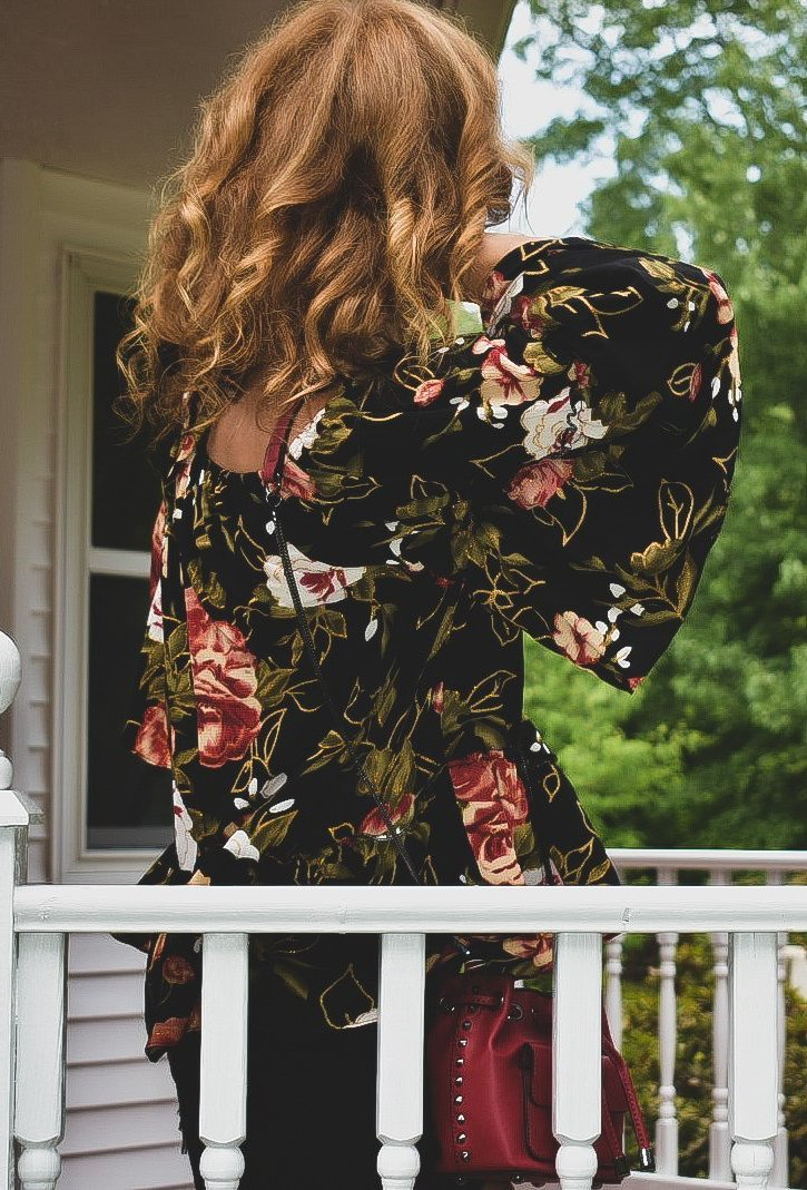 Bella Floral Print Off the Shoulder Top (Black)