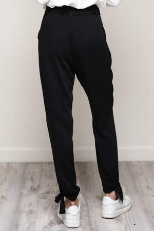 ASTRID BELTED TIE TROUSERS (BLACK)