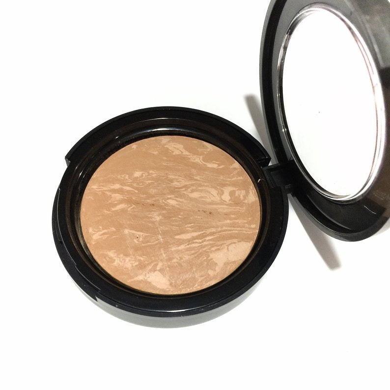 Natural Baked Foundation- Medium Beige