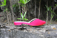 Load image into Gallery viewer, Sala Chaussures Rayos Slides in Frangipani Hot Pink