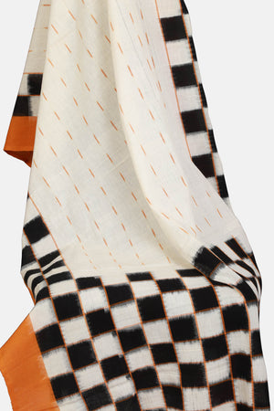 Off white with checked pallu Ikat dupatta - Kapaas N Resham