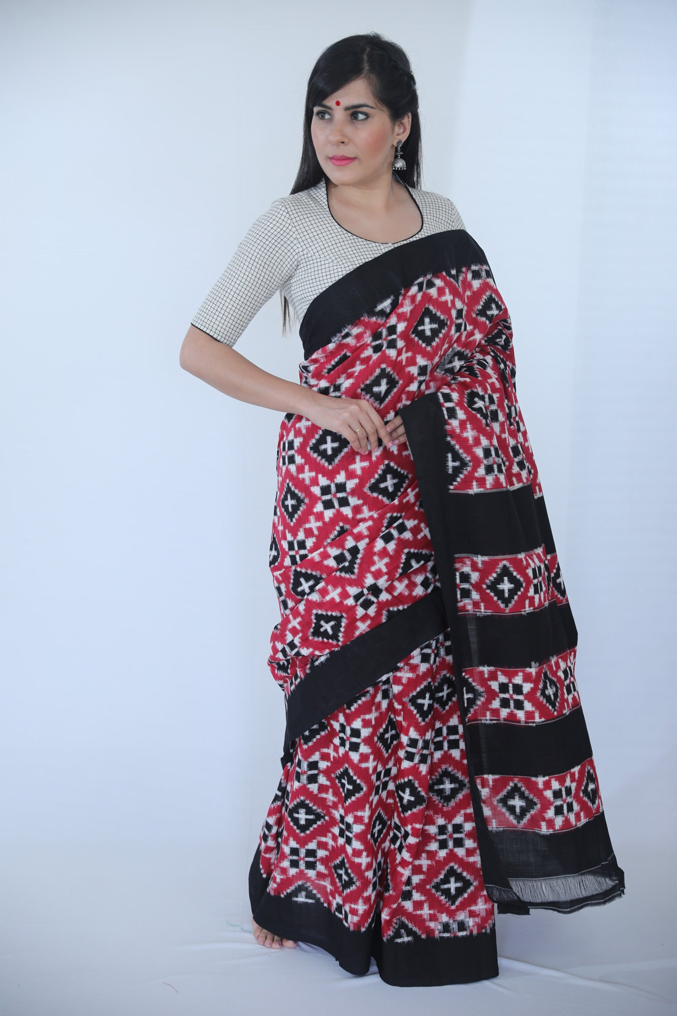 Telia Saree - Black and Maroon - Kapaas N Resham