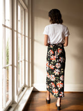 Load image into Gallery viewer, Drape Skirt - Floral