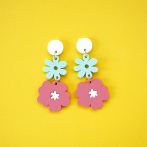 70s Flora Chain - Blue & Pink - 09