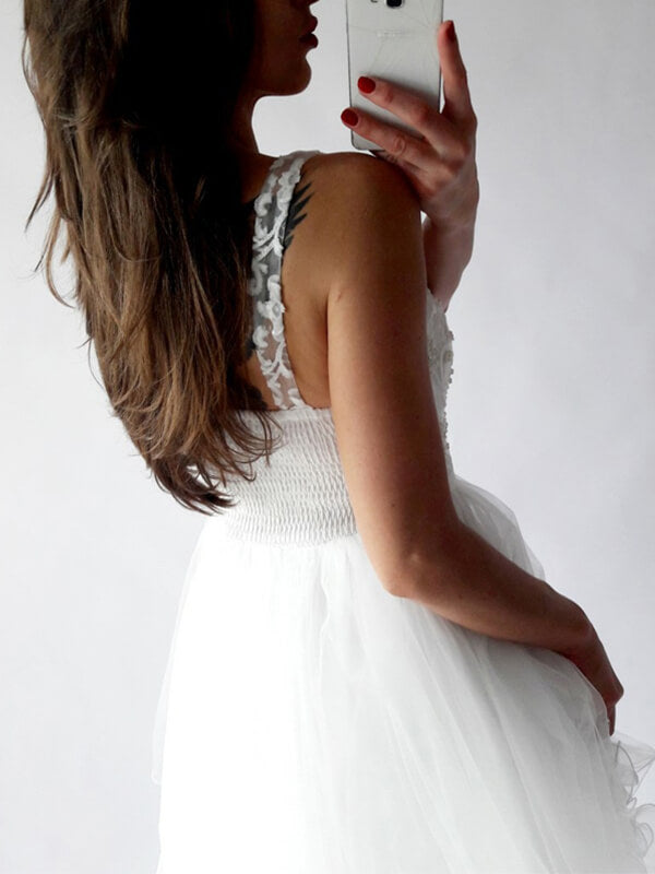 V-neck Short White Tulle  Homecoming Dresses with Applqiues-simibridal