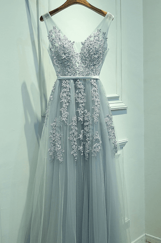 products/ED1632Light_Grey_V-neck_Lace_Long_Tulle_Prom_Dresses.png