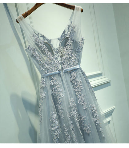 products/ED1632_1Light_Grey_V-neck_Lace_Long_Tulle_Prom_Dresses.jpg