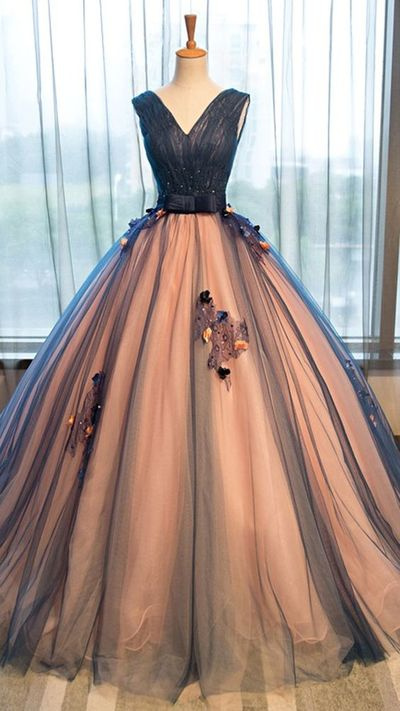 A Line V-neck Long Tulle Prom Ball Gown with Appliqueï¼ED2227ï¼