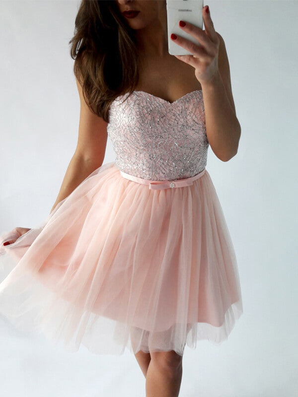 Sweetheart Short Tulle Homecoming Dress with Beadings