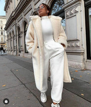Load image into Gallery viewer, Alison Off White   Teddy Coat