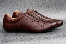 Load image into Gallery viewer, Brown leather lace up retro road cycling shoes
