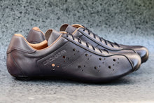 Load image into Gallery viewer, Grey leather road bike shoes