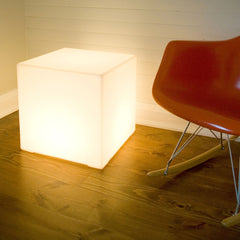 Lightbox by Gus Modern
