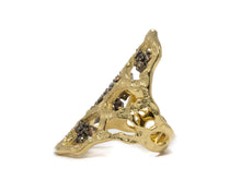 Gold Ring for Women | Atakama Sunstroke left view | Kukka Jewelry