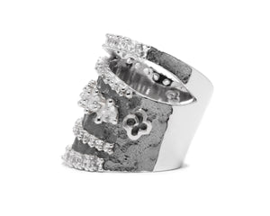 Moon Orbit left view | 18kt White Gold Ring for Women | Kukka Jewelry