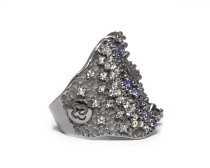 Pacific Mystère right view | Black Gold Sterling Silver Plated Ring for Ladies | Kukka Jewelry