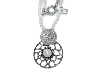 Alma Perla Black front | Ladies' Necklace | Kukka Jewelry