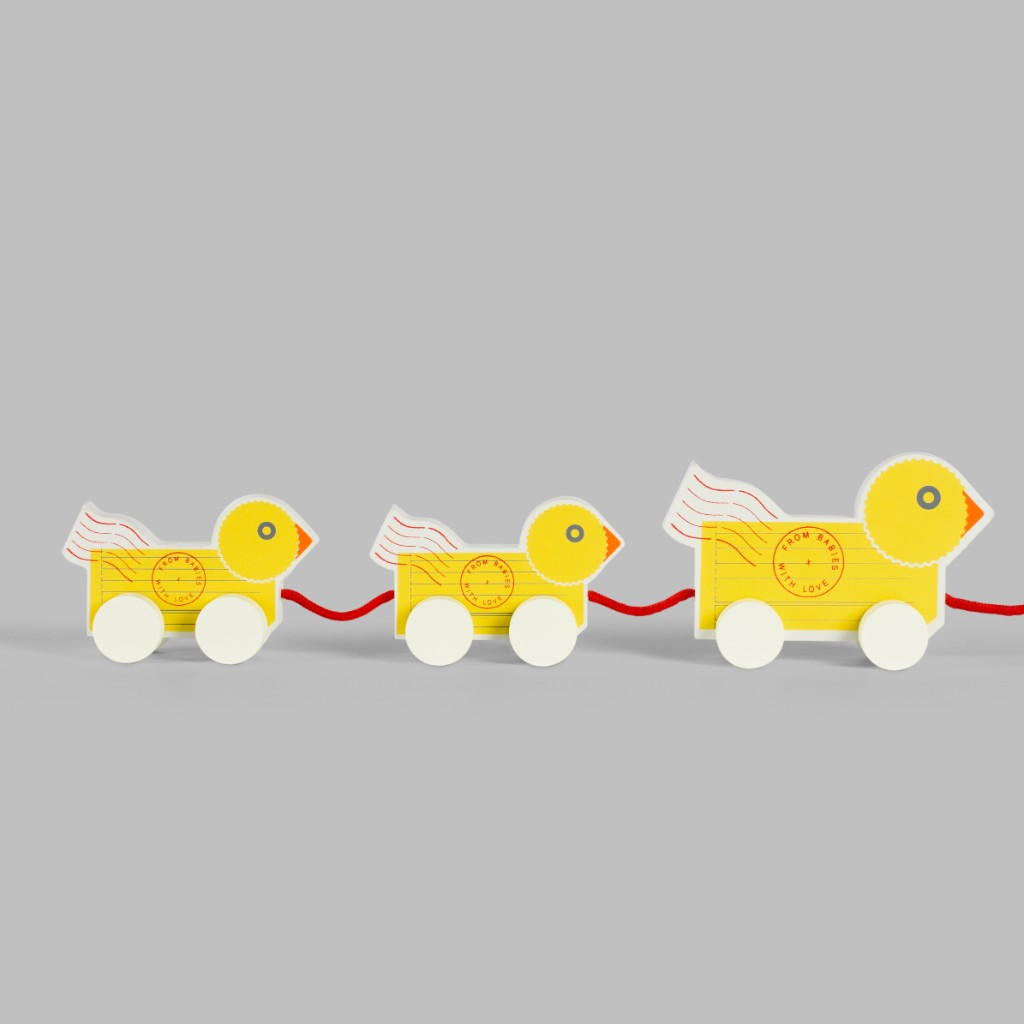 Wooden Toy Pull Along Duck: Traditional Toy Featuring Bright Yellow Duck Character