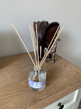 Load image into Gallery viewer, Luxury Reed Diffuser - Lavender - Amelia's Candle Co