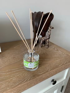 Luxury Reed Diffuser - Honeysuckle & Elderflower - Amelia's Candle Co