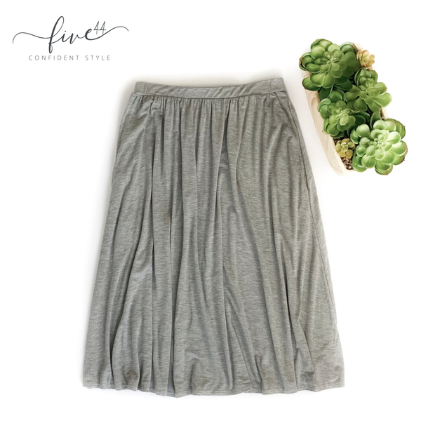 heather grey midi skirt with pockets, made in the usa, five44 women's clothing boutique located in chicago, fast shipping