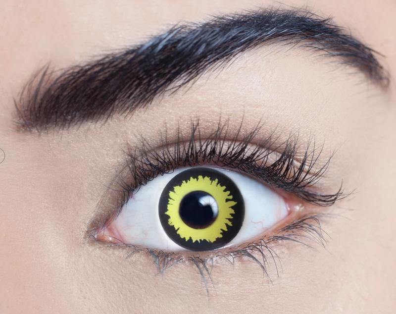 Wolf coloured contact lens