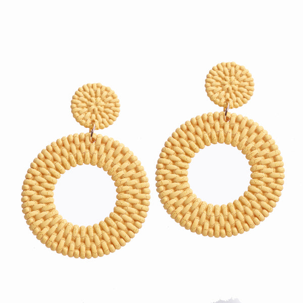 Straw Earring With Hoop Design in Yellow