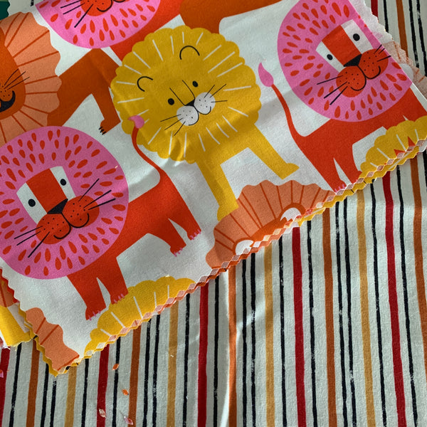 Lions set of two