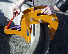 Load image into Gallery viewer, SRG-3 Manhole and Cone Chain Clamp