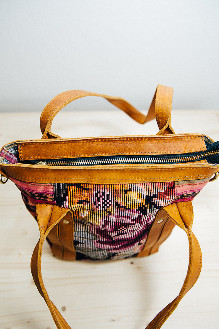 The Mini Traveler Tote-Brooke