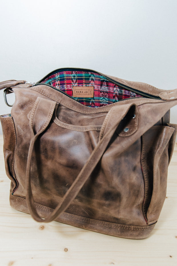 Wanderer- Mocca Java Full Grain Leather Medium Bag