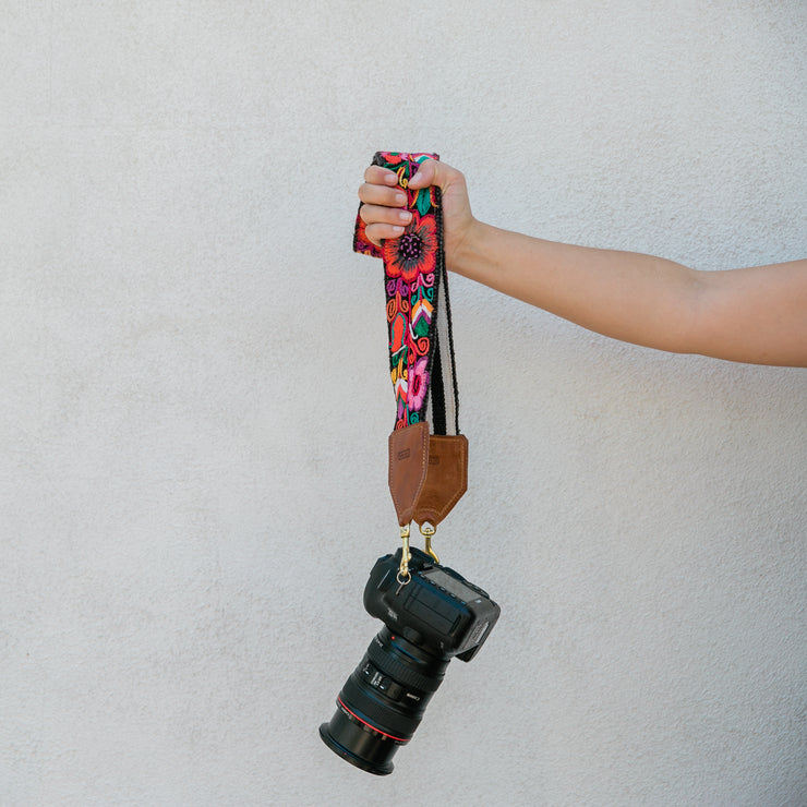 GENUINE ARTISAN CRAFTED CAMERA/BAG STRAP